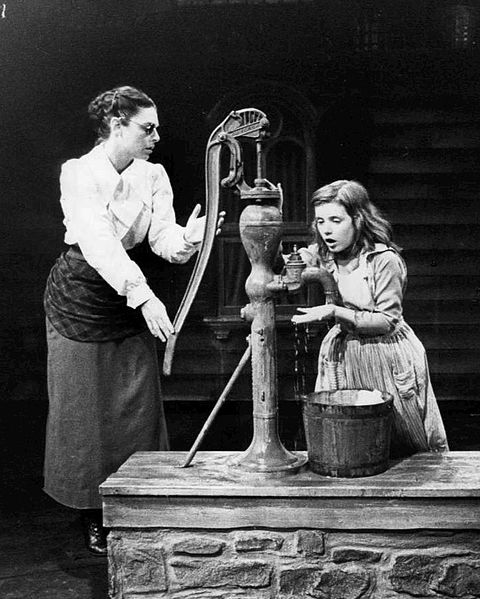 Mowie screenshot of Helen Keller and her teacher at a well