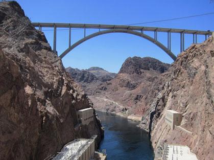circle arch bridge over Colorado River