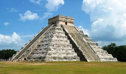Kukulcan Pyramid, Chichen Itza, Mexico